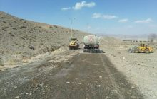 زیرسازی و آسفالت جادههای روستایی سرچشمه انجام میشود